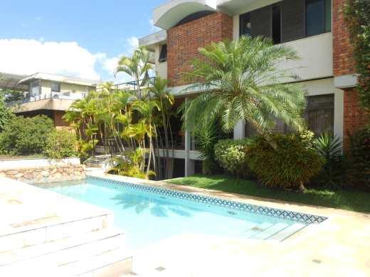 Casa de 6 dormitórios à venda em Belvedere, Belo Horizonte - MG