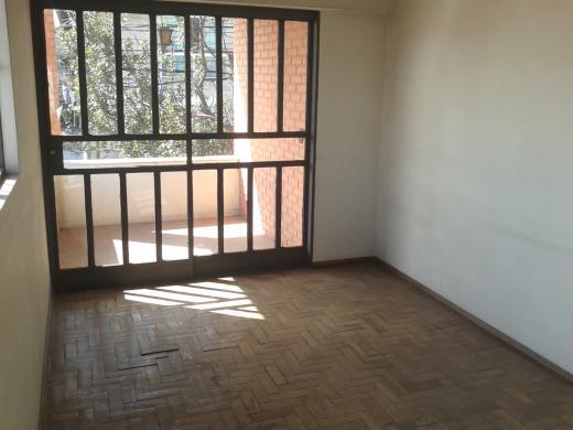Casa de 4 dormitórios em Carlos Prates, Belo Horizonte - MG