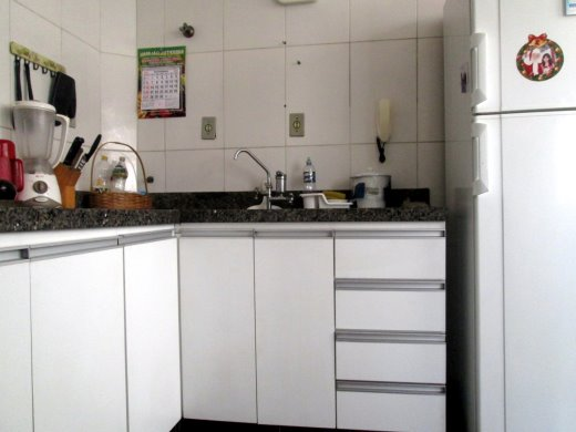 Apto de 3 dormitórios em Gutierrez, Belo Horizonte - MG