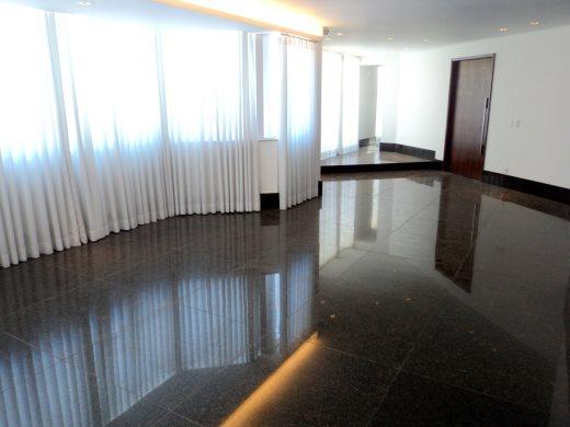 Cobertura de 4 dormitórios em Santa Lucia, Belo Horizonte - MG