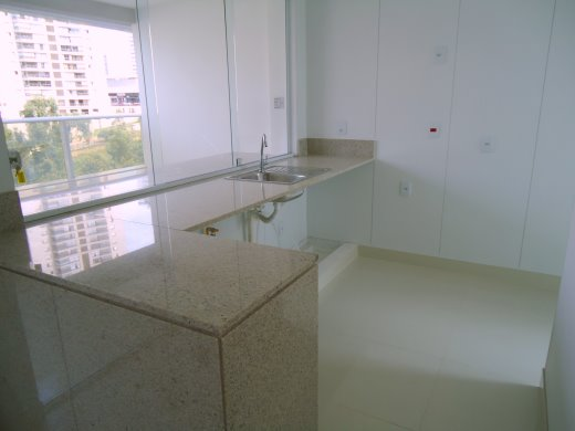 Apto de 1 dormitório em Belvedere, Belo Horizonte - MG