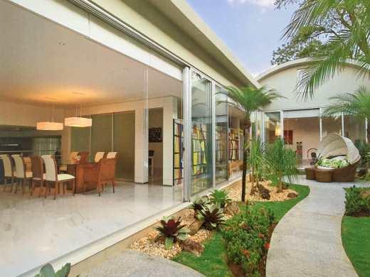Casa de 5 dormitórios em Cidade Jardim, Belo Horizonte - MG