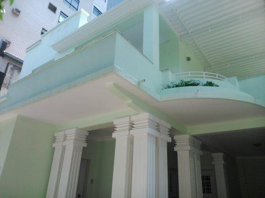 Casa de 5 dormitórios à venda em Lourdes, Belo Horizonte - MG