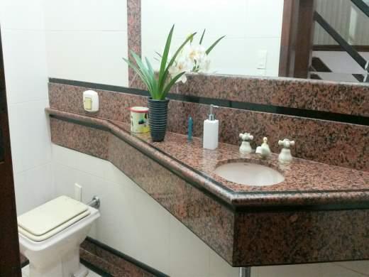 Casa de 4 dormitórios em Belvedere, Belo Horizonte - MG