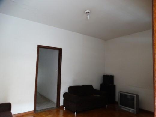 Casa de 3 dormitórios em Nova Granada, Belo Horizonte - MG