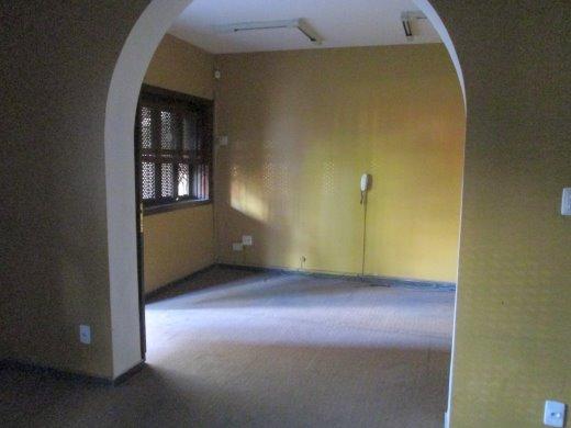 Casa de 4 dormitórios à venda em Santo Antonio, Belo Horizonte - MG