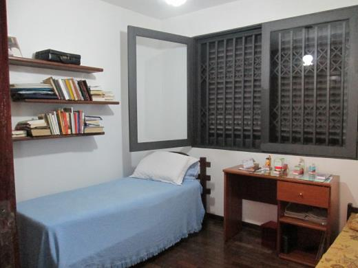 Casa de 4 dormitórios em Santo Antonio, Belo Horizonte - MG