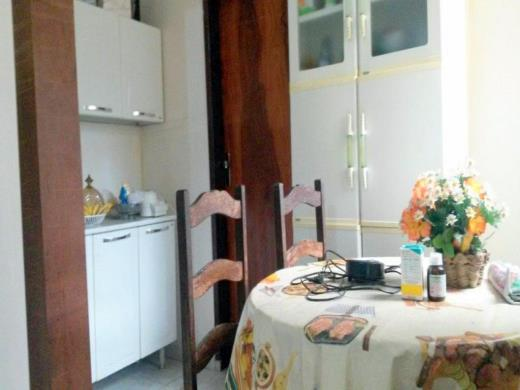 Casa de 3 dormitórios à venda em Santa Efigenia, Belo Horizonte - MG