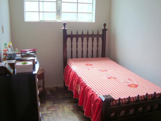 Casa de 4 dormitórios em Sagrada Familia, Belo Horizonte - MG