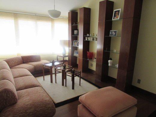 Casa de 6 dormitórios em Sao Luiz, Belo Horizonte - MG