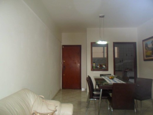 Apto de 2 dormitórios em Colegio Batista, Belo Horizonte - MG
