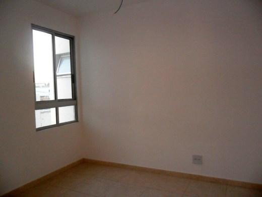 Apto de 2 dormitórios em Fernao Dias, Belo Horizonte - MG
