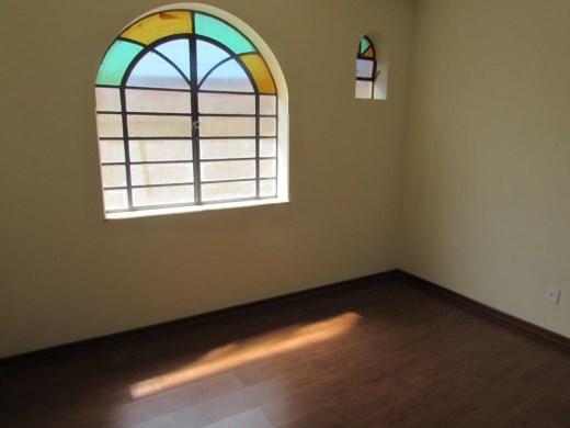Casa de 4 dormitórios em Santa Rosa, Belo Horizonte - MG