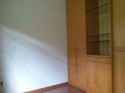 Casa de 4 dormitórios em Heliopolis, Belo Horizonte - MG