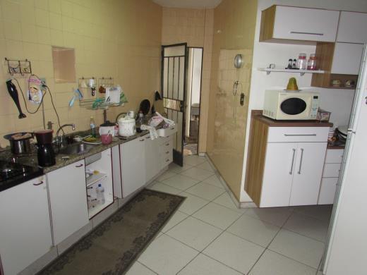 Casa de 4 dormitórios à venda em Sagrada Familia, Belo Horizonte - MG
