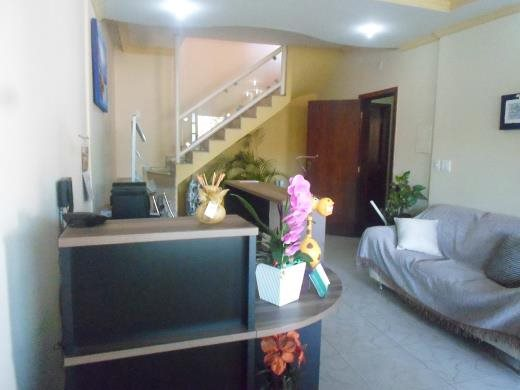 Casa de 5 dormitórios à venda em Cachoeirinha, Belo Horizonte - MG