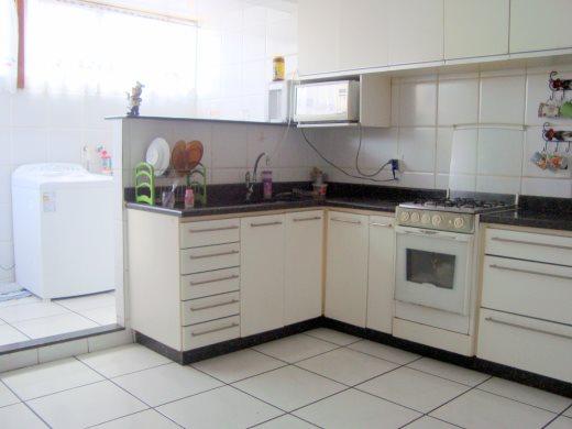 Casa de 4 dormitórios à venda em Fernao Dias, Belo Horizonte - MG