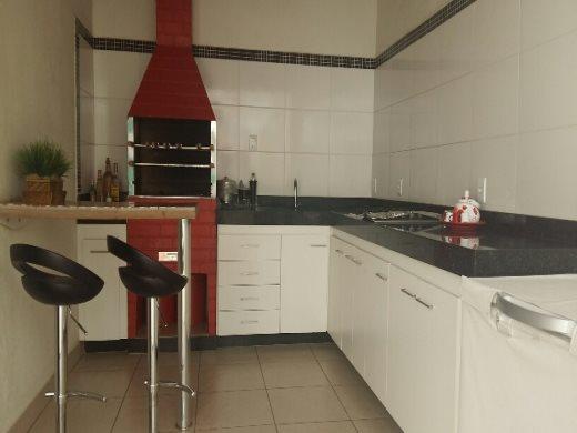 Casa de 3 dormitórios em Santa Cruz, Belo Horizonte - MG
