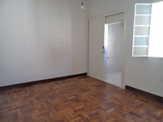 Casa de 2 dormitórios à venda em Sagrada Familia, Belo Horizonte - MG