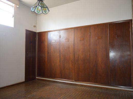 Casa de 3 dormitórios em Sagrada Familia, Belo Horizonte - MG