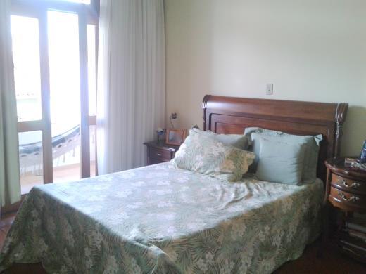 Casa de 3 dormitórios em Santa Efigenia, Belo Horizonte - MG