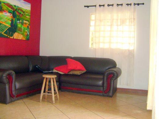 Casa de 2 dormitórios em Pompeia, Belo Horizonte - MG
