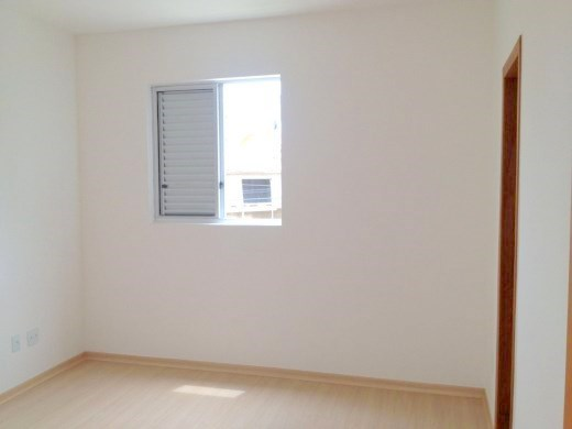 Apto de 2 dormitórios em Heliopolis, Belo Horizonte - MG