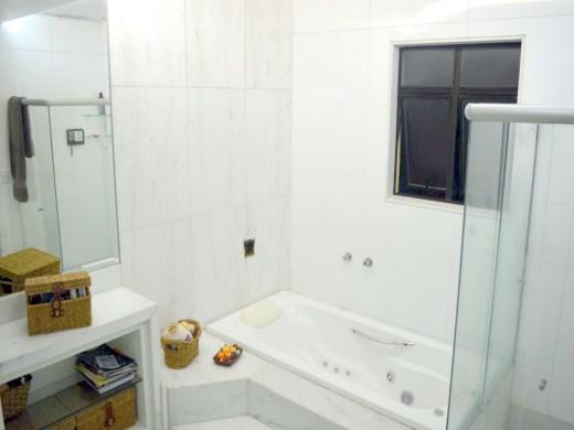 Casa de 3 dormitórios em Fernao Dias, Belo Horizonte - MG