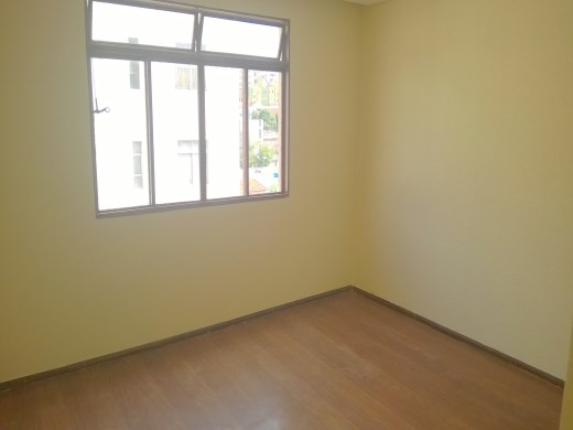 Apto de 2 dormitórios à venda em Santa Efigenia, Belo Horizonte - MG