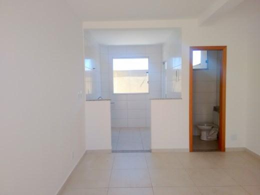 Casa de 2 dormitórios à venda em Heliopolis, Belo Horizonte - MG