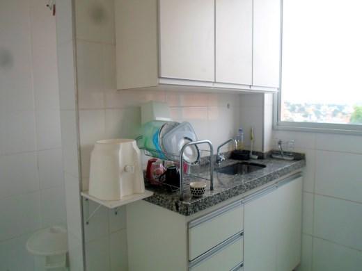 Apto de 3 dormitórios à venda em Heliopolis, Belo Horizonte - MG