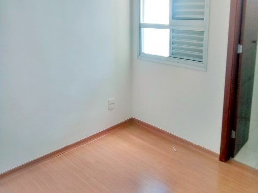 Apto de 3 dormitórios em Floresta, Belo Horizonte - MG
