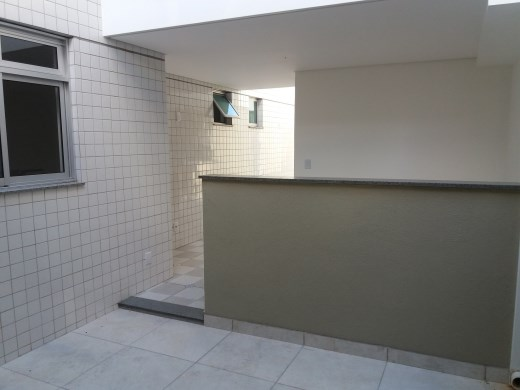 Apto de 2 dormitórios à venda em Fernao Dias, Belo Horizonte - MG