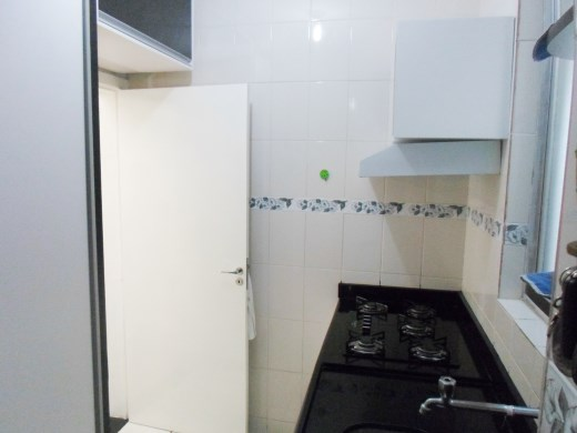 Casa de 2 dormitórios em Heliopolis, Belo Horizonte - MG