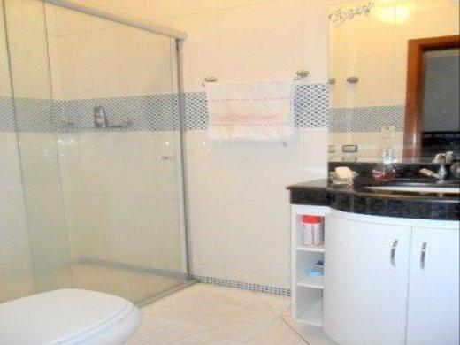 Casa de 4 dormitórios em Nova Floresta, Belo Horizonte - MG