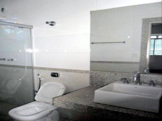 Casa de 4 dormitórios em Jaragua, Belo Horizonte - MG